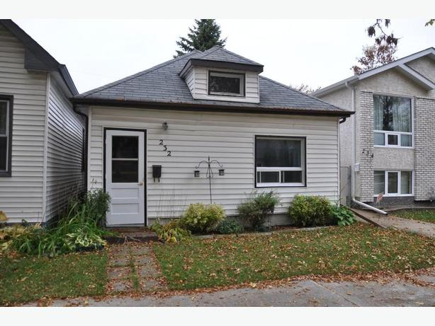 232 Marjorie St - Professionally Marketed by Judy Lindsay Team Realty