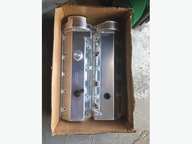 Brand new hand fabricated Moroso Valve Covers.  For Mustang or any modular Ford.