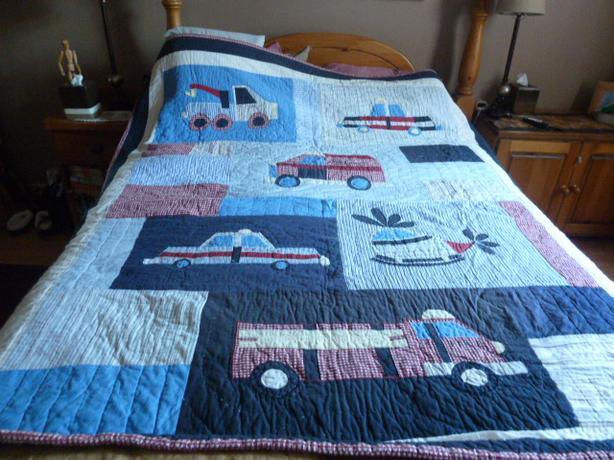 Boy's bed quilt