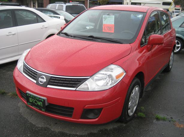 2009 Nissan Versa LOADED AUTO TRANS.