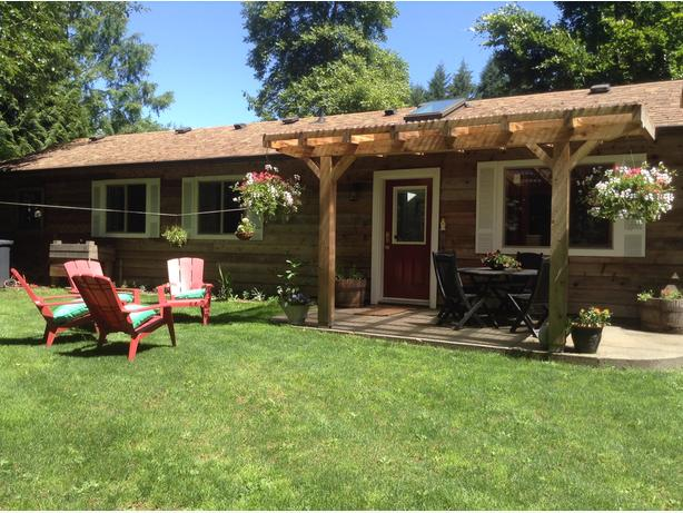 Cowichan Valley Cozy Cottage