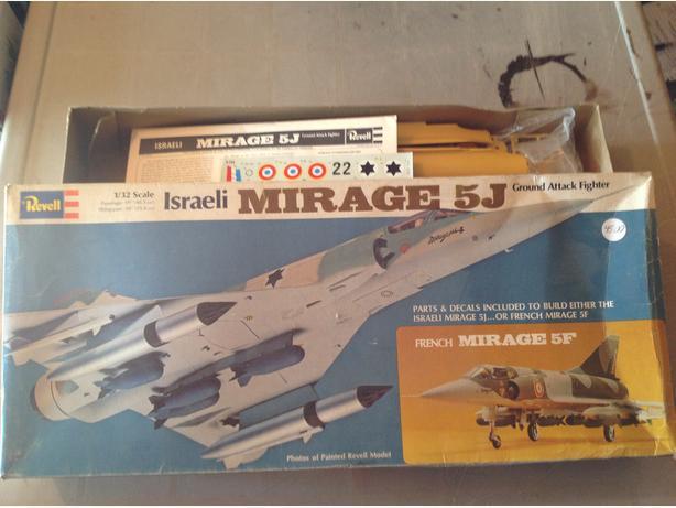 Revell  Mirage 5J Israeli Jetfighter  1/32 scale model kit