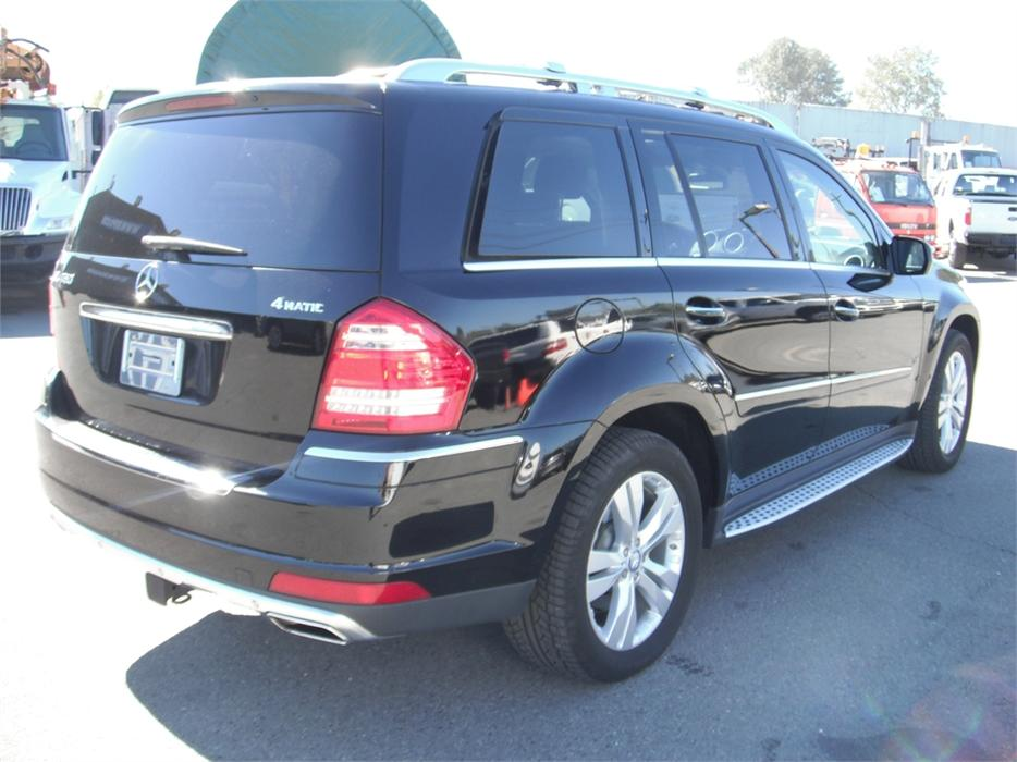 2010 mercedes benz gl class gl450 4matic outside comox for 2010 mercedes benz gl class