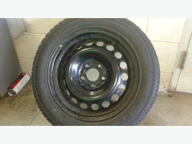 "16"" Toyo winter tires on rim ( 9/32"")"