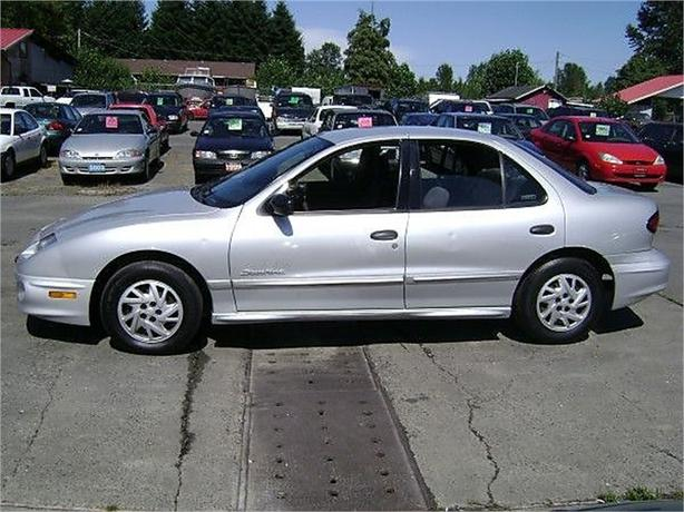 2002 Pontiac Sunfire SE sedan