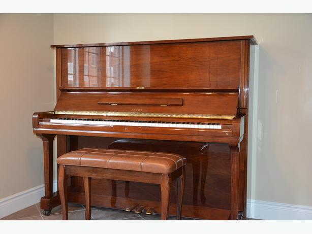 ASTOR upright piano