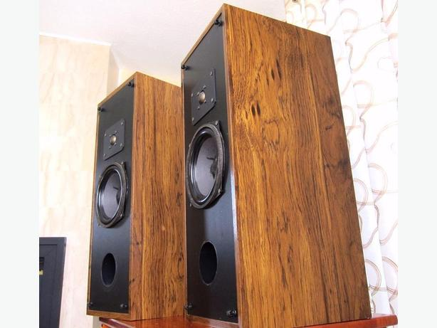 REGA 2 CLASSIC REFERENCE MONITOR SPEAKERS, MADE IN CANADA