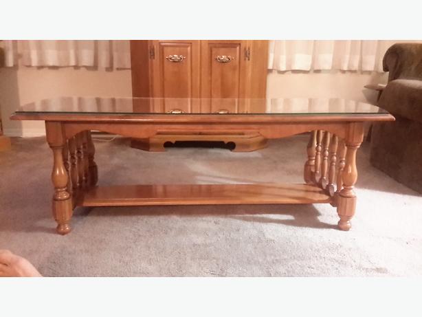 Kroehler Solid Maple Coffee Table