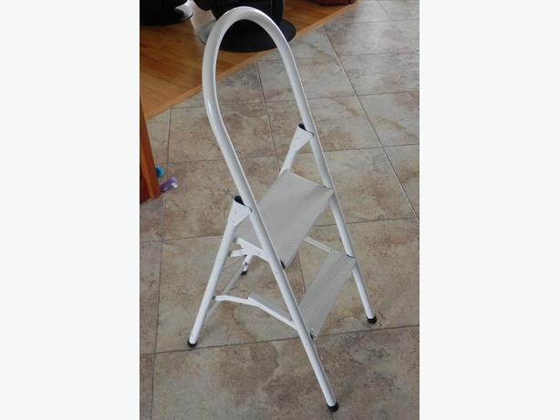 2-step stool