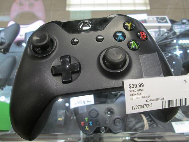 XB1 CONTROLLER **MONEYMAXX**