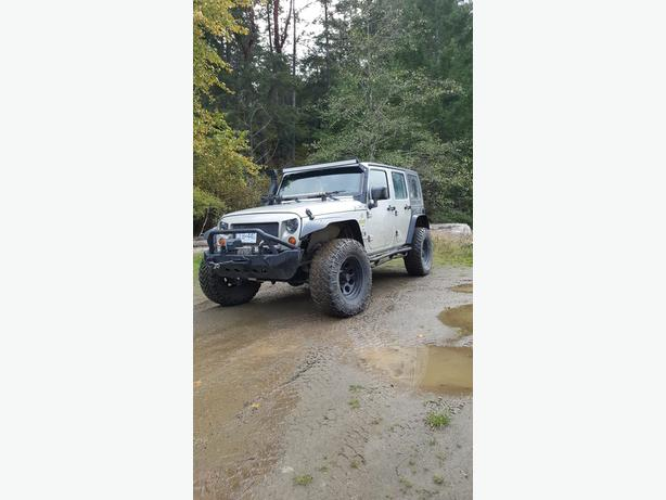 07 Jeep Wrangler Unlimited Lifted with Tons of Extras OBO