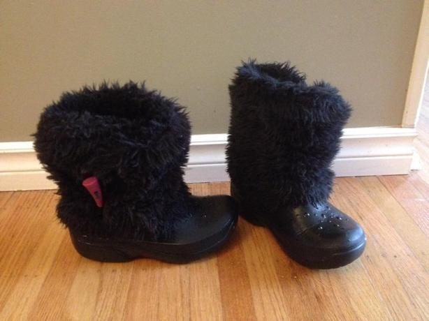 Crocs size 1Fur boots
