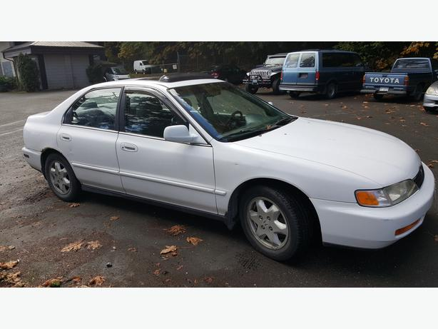 $650 - 1998 Honda Accord