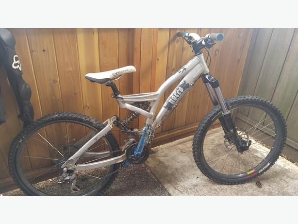 2006 Norco Shore Cutom Downhill mountaIN BIKE