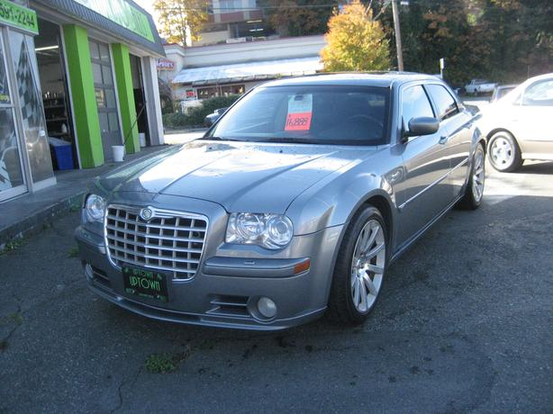 SRT8- 6.1 Hemi-ONLY -106k-No Accidents-Mint