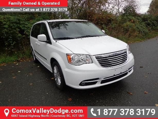 LOW KMS, LOTS OF FACTORY WARRANTY!!! LEATHER, BACK UP CAMERA & REMOTE START