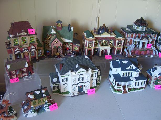 Xmas Village Pieces