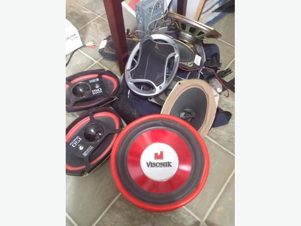 assorted car speaker set