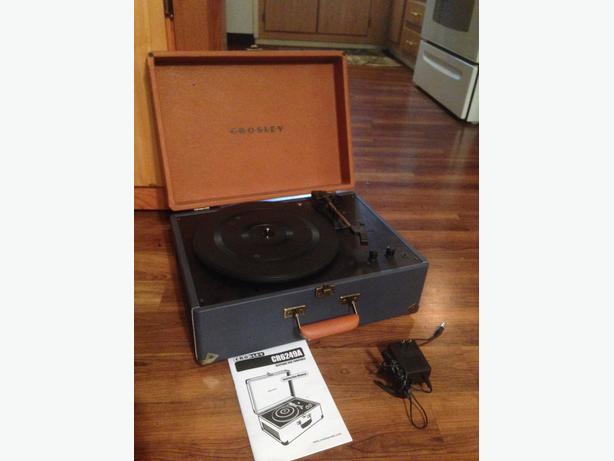 Crosley Keepsake suitcase turntable