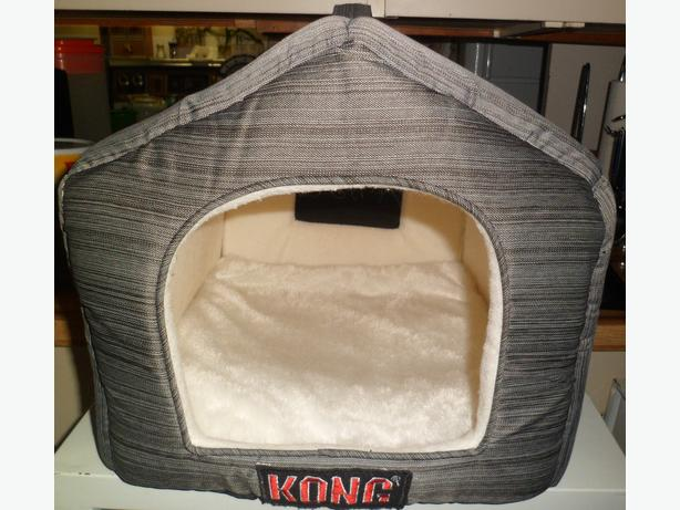 KONG® Striped Enclosed Cat Bed