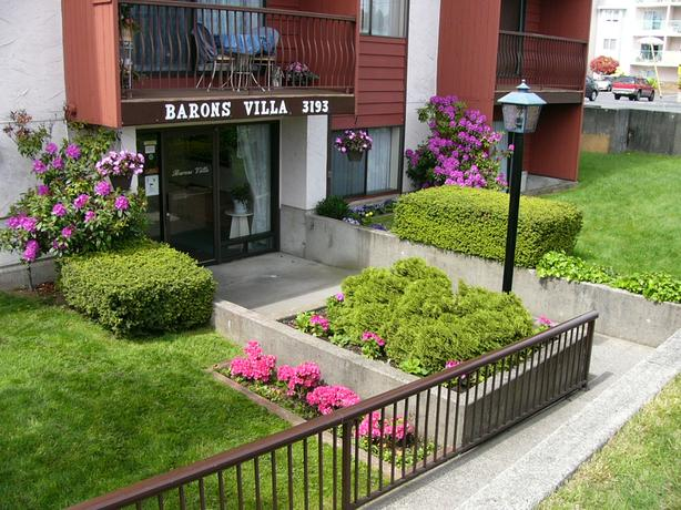 Top floor 1 bdrm apartment North-Central Nanaimo – near mall and services!