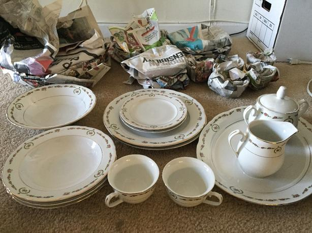 44 PIECE CHINA SET