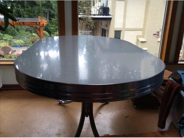 Arborite table