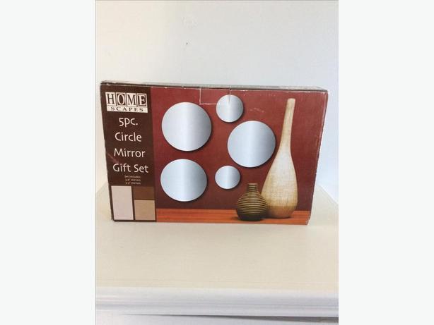 Circular mirrors