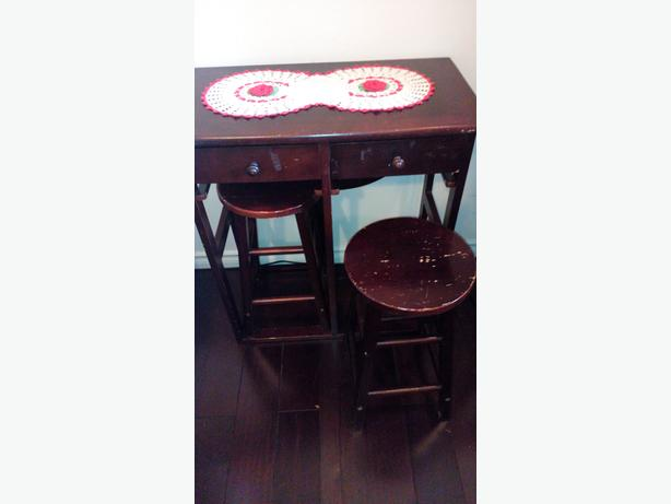 table/2stools/ half moon drop leaf