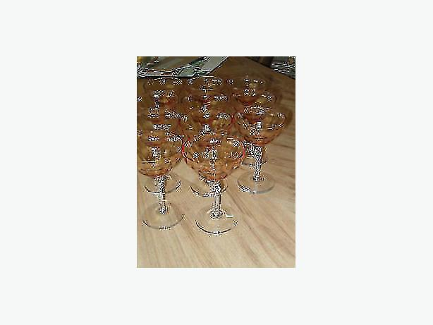 champagne ,goblet stem vintage 1935 , 1940 .