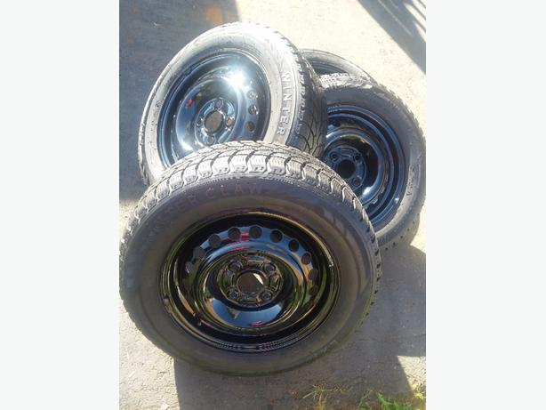 195x65R15 Mud/Snow tires w/rims