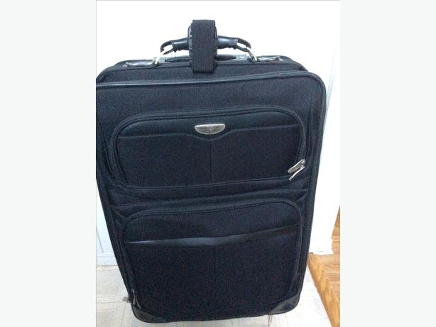 Dockers suitcase