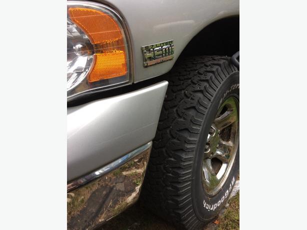 2003 Dodge ram 4x4. 5.7 hemi. runs