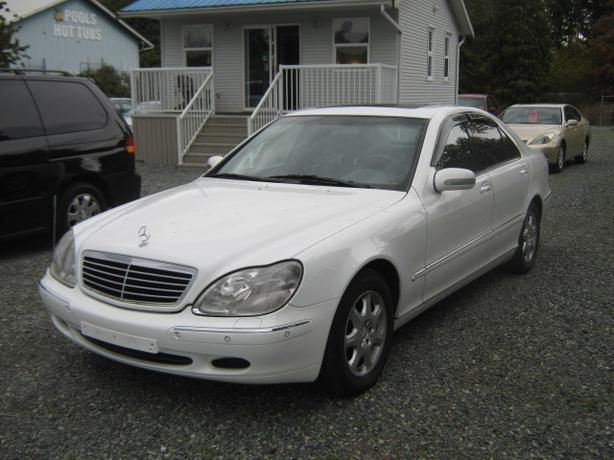 2000 Mercedes-Benz S320 **ULTRA LOW KM'S**