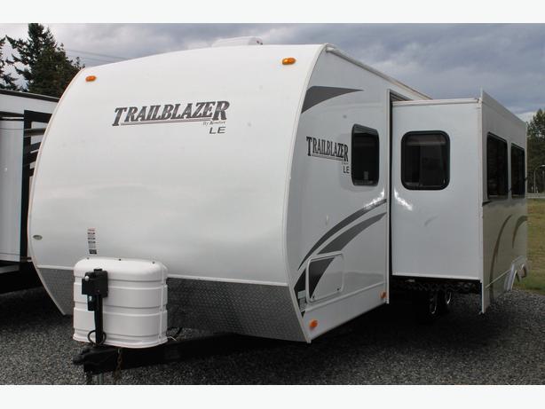 2010 Komfort Trailblazer LE T262BS