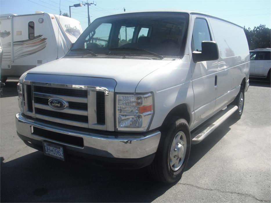 2010 ford econoline e 250 cargo van outside okanagan Ford econoline cargo van interior dimensions