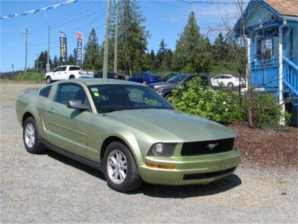 2006 Ford Mustang V6 Deluxe Coupe