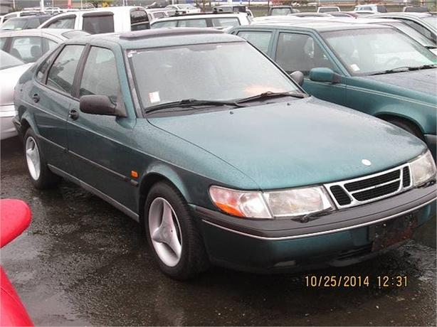1995 Saab 900S S 4-Door Hatchback