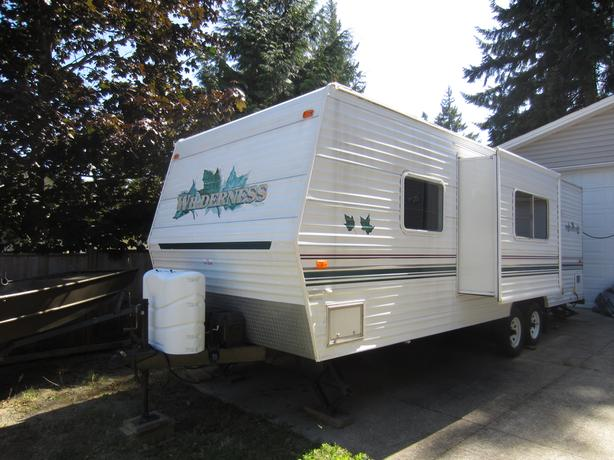 2002 Wilderness Travel Trailer