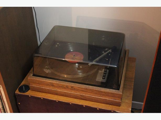 Realistic Elac Miracord 46 Turntable