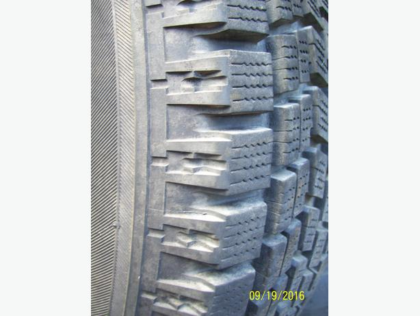 Bridgestone Blizzak 215/65R15 snow tire NEW Ford Chev Pontiac Dodge Jeep Honda