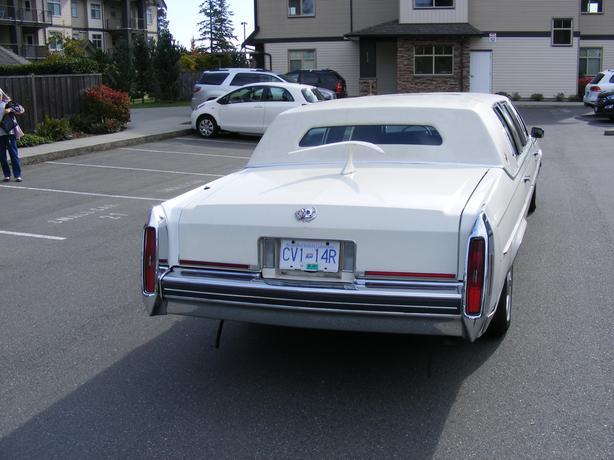 1985 Cadillac Fleetwood Brougham 6 passenger limo