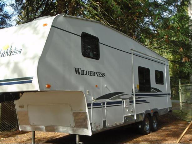 2006 Wilderness 285RLS STK# A16N2828B