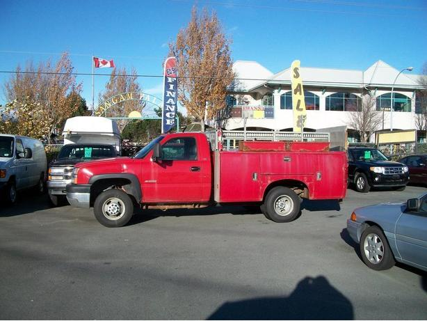 2003 Chevrolet Silverado 3500 Regular Cab 2WD Lift Truck
