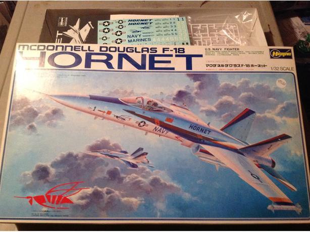 Hasegawa F-18 Hornet Jetfighter  1/32 scale model kit