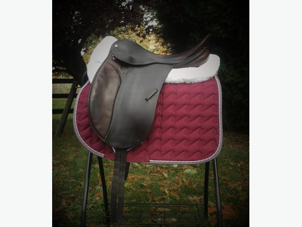 "18"" County Competitor Dressage Saddle"