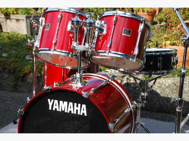 yamaha stage custom drums shell pack or with snare drum and hardware outside victoria victoria. Black Bedroom Furniture Sets. Home Design Ideas