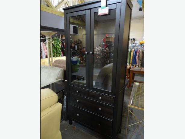Win 724 hemnes ikea glass door cabinet with 3 drawers for Ikea hemnes glass door cabinet
