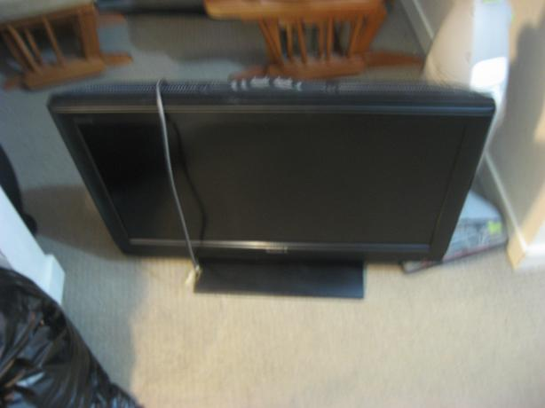 32 inch sony flat screen TV no remote