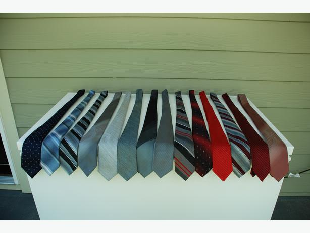 Men's Dress Ties (assorted colours and patterns in polyester)